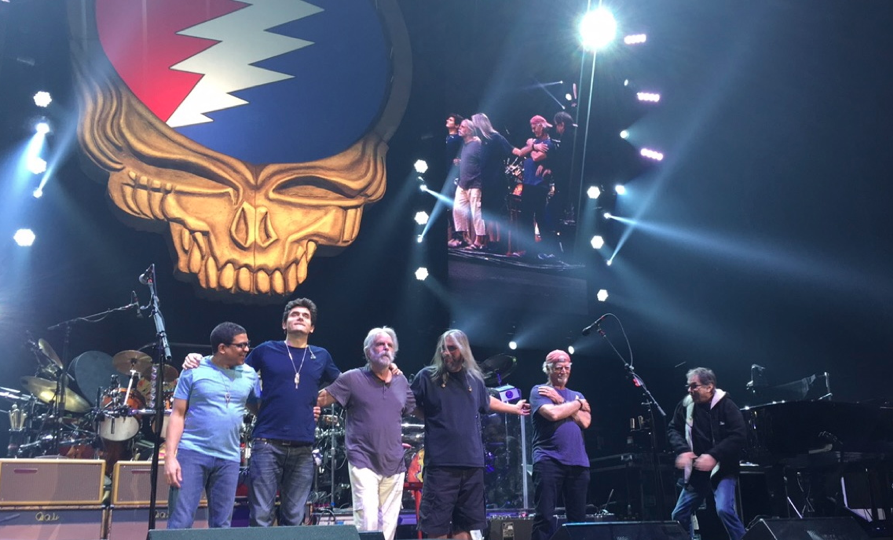 Dead and Co. bowing goodnight to the deadheads