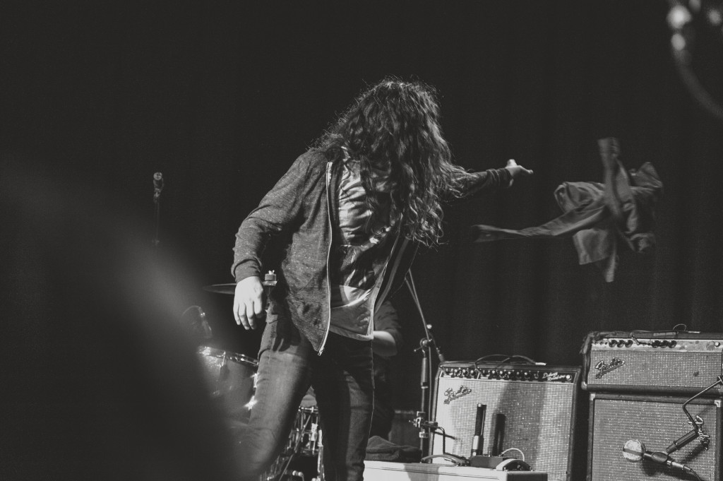 Kurt Vile throws his jacket (photo courtesy of Alexandra Justice)
